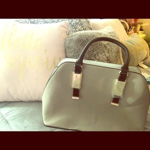 Moss IMO purse in immaculate condition